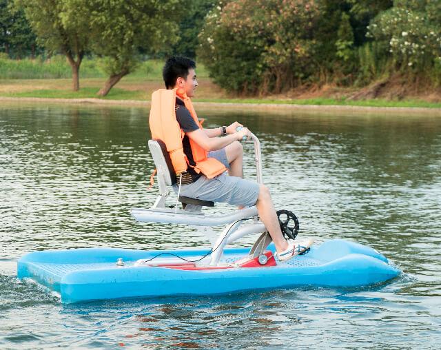 水上自行车船